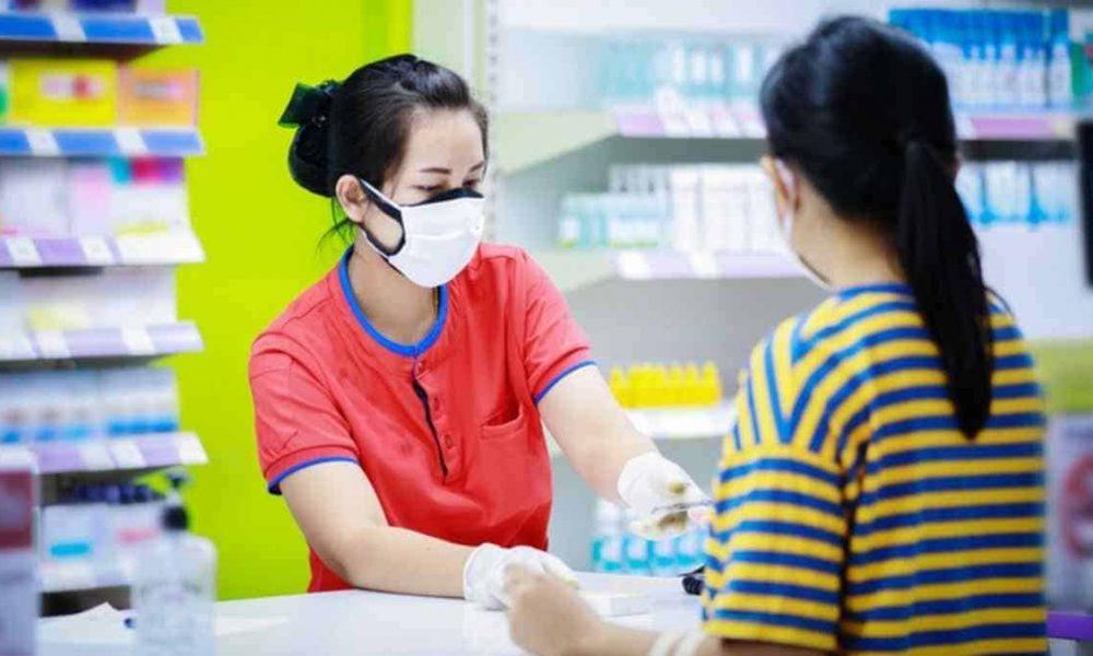 drug_store_purchase_mask_xnakzu.jpg